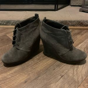 Jessica Simpson Gray Suede Wedge Boots